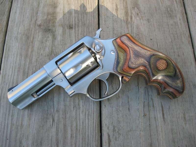 I want some revolver pron - Revolver Handguns